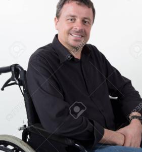 Meneer in een rolstoel