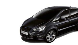 Afbeelding van een zwarte auto van het merk Ford