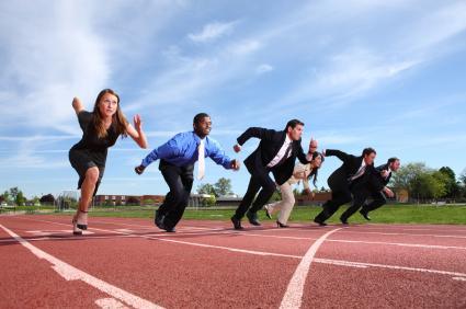 Werknemers die aan het sprinten zijn